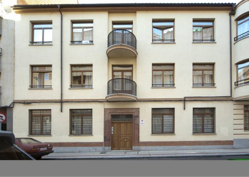 edificio racionalista en calle isidro segovia 14haciendo