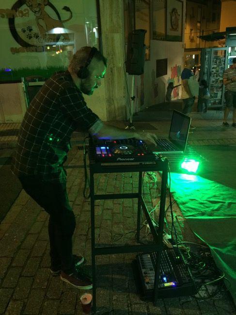 DJ Ion Romay en la Feria de Día