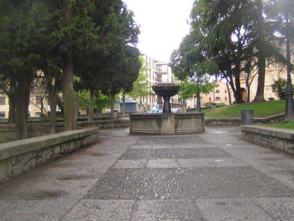 Photo of La soledad de los mayores, el principal problema del Parque de San Francisco