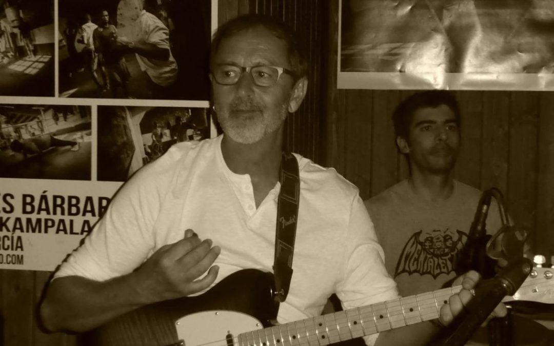 Santi Vargas, el músico que vive de inventar