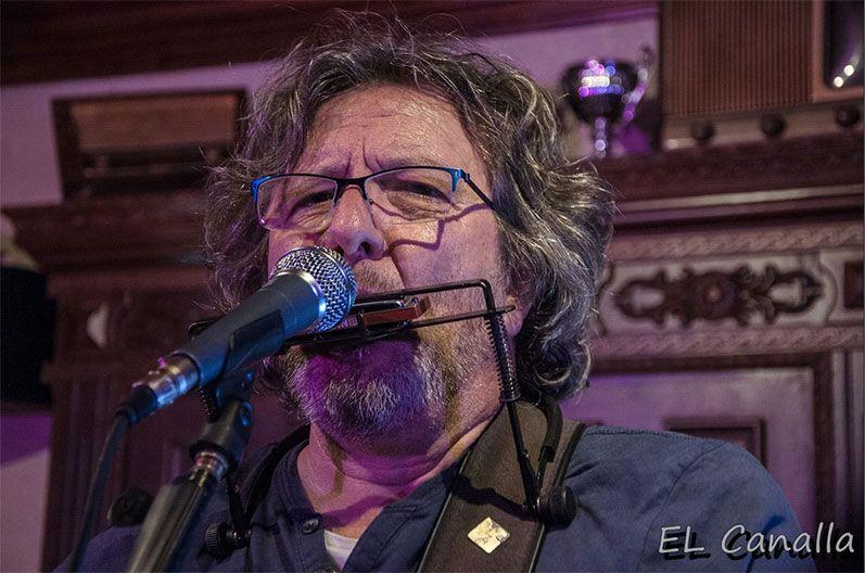 El Cantautor Fernando Maés captado por Ángel Holgado (el Canalla)