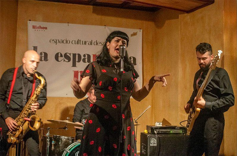 Lulú & The Rockets en La Espannola (foto: Ángel Holgado)