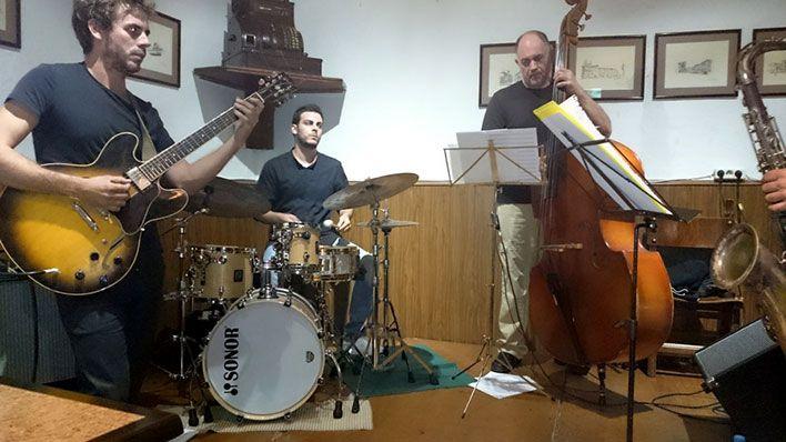 en el Alcaraván con el Alberto Navales Quinteto
