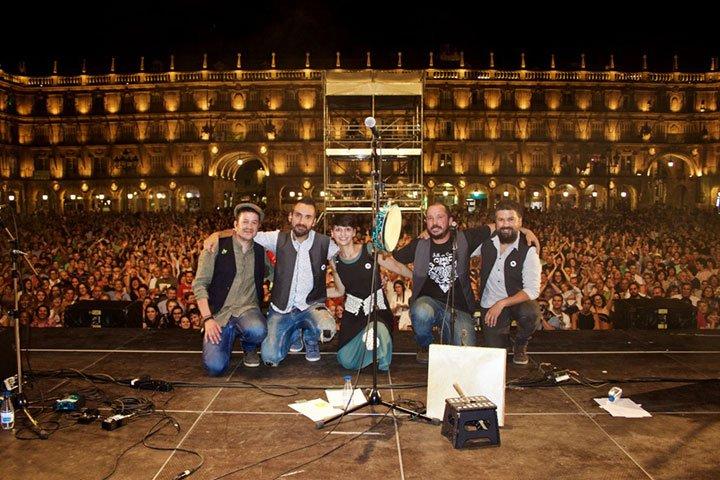 Folk on Crest en la Plaza Mayor de Salamanca