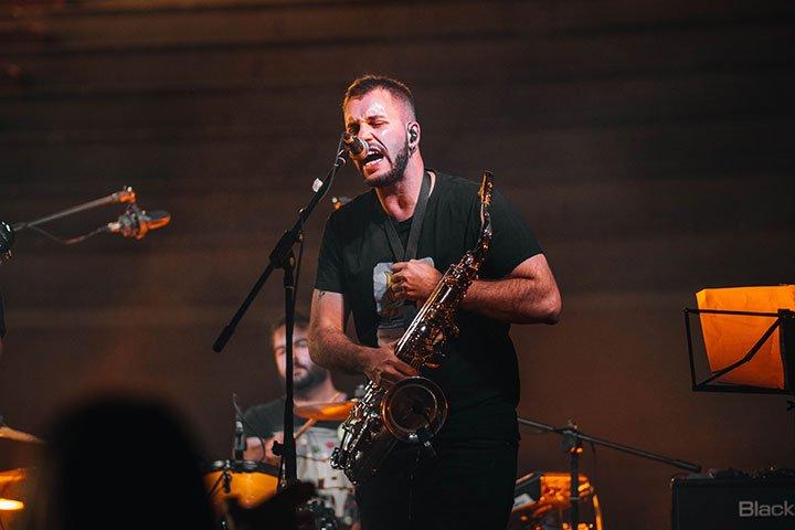 Pablo de Miguel - guitarra y saxo